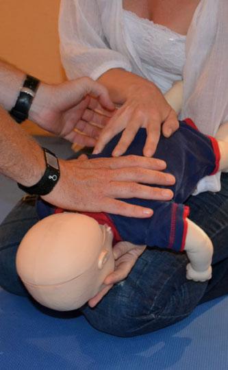 baby-choking1